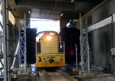 kiwirail_locomotive_wash