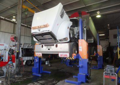 Truck Workshop Hoists