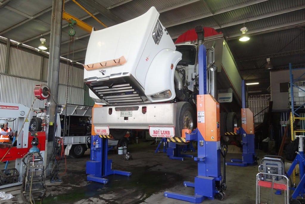 Workshop Truck Hoists