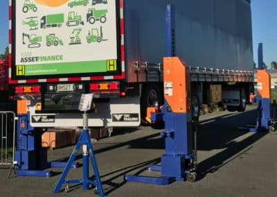 Outdoor Truck Hoists