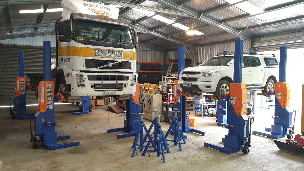 Workshop Truck Hoists
